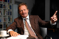 16 NOV 2006, BERLIN/GERMANY:<br /> Frank Bsirske, Vorsitzender der Gewerkschaft ver.di, Vereinte Dienstleistungsgewerkschaft, waehrend einem Interview, in seinem Buero, Ver.di Bundesverwaltung<br /> IMAGE: 20061116-01-019