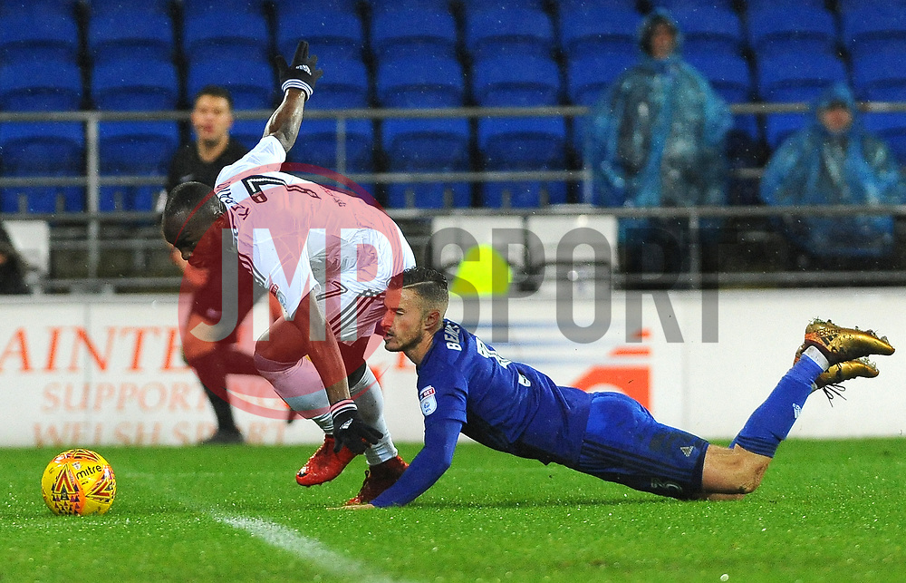 Joe Bennett of Cardiff City challenges Neeskens Kebano of Fulham- Mandatory by-line: Nizaam Jones/JMP- 26/12/2017 -  FOOTBALL - Cardiff City Stadium - Cardiff, Wales -  Cardiff City v Fulham - Sky Bet Championship