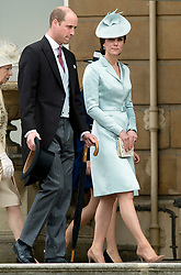 May 16, 2017 - London, United Kingdom - The Duke and Duchess of Cambridge at a Garden party at Buckingham Palace in London. (Credit Image: © Rota/i-Images via ZUMA Press)