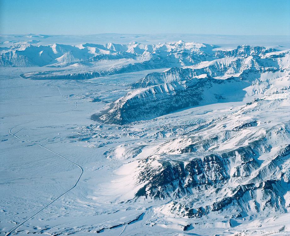 Sandfell, Hofshreppur.<br /> &Iacute; baks&yacute;ni, Sv&iacute;nafell, Freysnes, Skaftafell. Vatnaj&ouml;kull.  /  <br /> Sandfell , Svinafell, Freysnes, Skaftafellsjokull, Skaftafell, Vatnajokull glacier in background. Hofshreppur.      - -  New name of the county:  Sveitarf&eacute;lagi&eth; Hornafj&ouml;r&eth;ur /  Sveitarfelagid Hornafjordur.