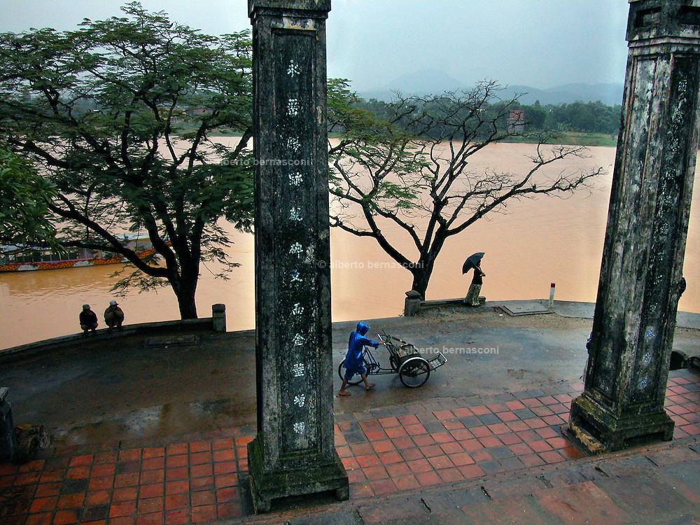 Vietnam, Hué: Thien Mu pagoda,..