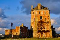 France, Finistère (29), Cornouaille, Presqu'île de Crozon, Camaret-sur-Mer, le Port avec la tour Vauban classée au patrimoine Mondial de l'UNESCO // France, Finistere (29), Cornouaille, Crozon peninsula, Camaret-sur-Mer, the Port with the Vauban tower listed as World Heritage by UNESCO