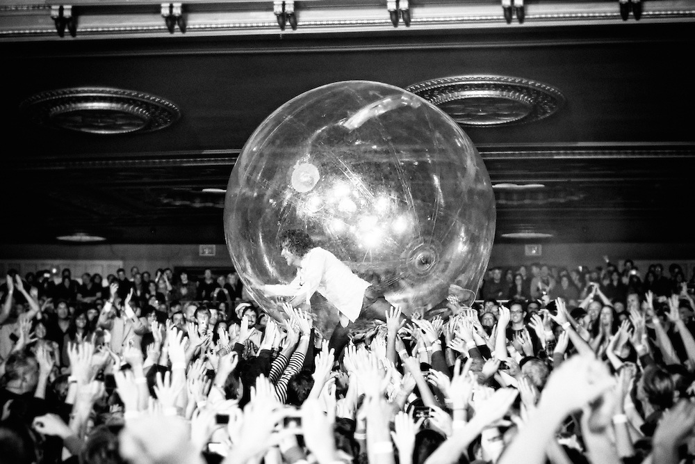 The Flaming Lips perform at The Fox Theater, Oakland CA 10/1/10