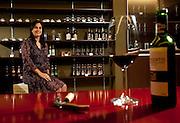 Sete Lagoas_MG, Brasil..Empresa de vinhos e cervejas em Sete Lagoas, Minas Gerais. Na foto empresaria. ..Company of wines and beers in Sete Lagoas, Minas Gerais. In the photo businesswoman...Foto: LEO DRUMOND / NITRO
