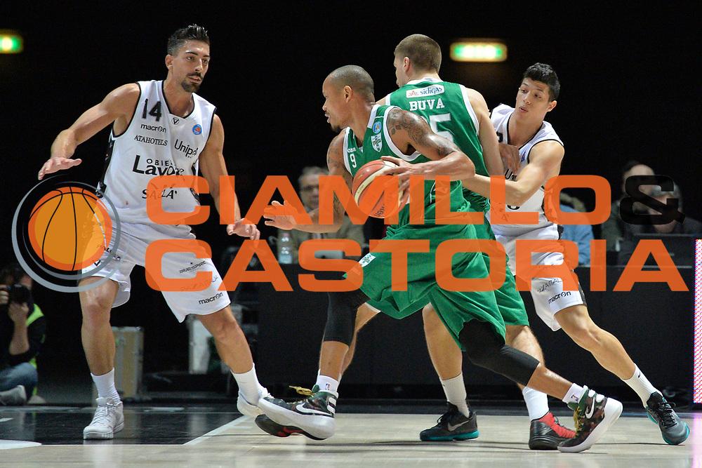 DESCRIZIONE : Bologna Lega A 2015-16 Obiettivo Lavoro Virtus Bologna vs Sidigas Scandone Avellino<br /> GIOCATORE : Alex Acker<br /> CATEGORIA : Controcampo blocco<br /> SQUADRA : Sidigas Scandone Avellino<br /> EVENTO : Campionato Lega A 2015-2016<br /> GARA : Obiettivo Lavoro Virtus Bologna  Sidigas Scandone Avellino<br /> DATA : 28/11/2013<br /> SPORT : Pallacanestro <br /> AUTORE : Agenzia Ciamillo-Castoria/I.Mancini<br /> Galleria : Lega Basket A 2015-2016  <br /> Fotonotizia : Cimberio Varese  Lega A 2015-16 Obiettivo Lavoro Virtus Bologna Sidigas Scandone Avellino<br /> Predefinita :