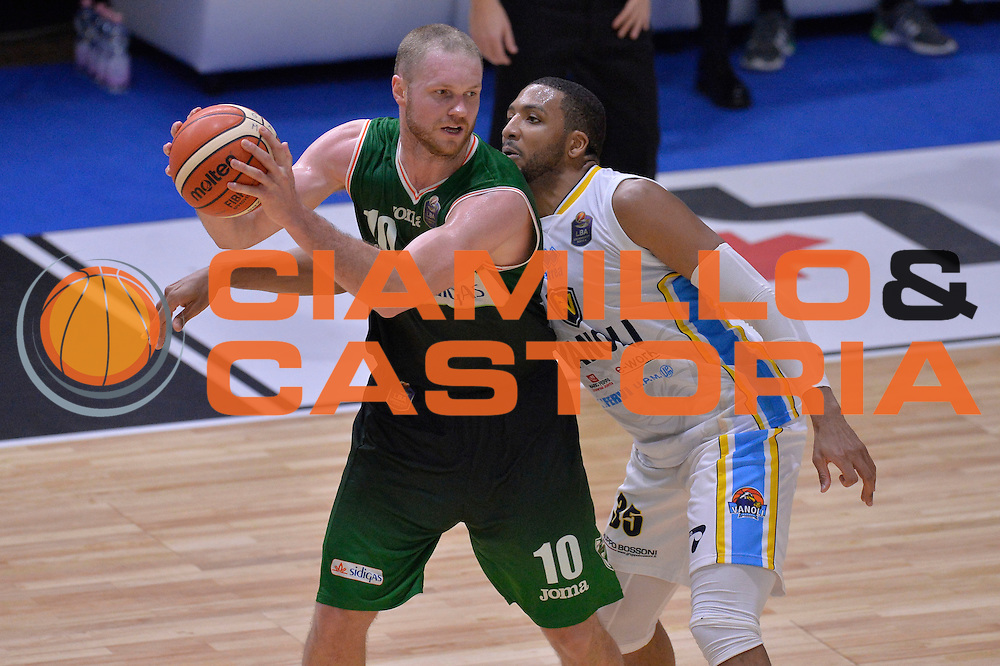 Maarten Leunen<br /> Vanoli Cremona - Sidigas Avellino<br /> Lega Basket Serie A 2016/2017<br /> Cremona, 18/12/2016<br /> Foto Ciamillo-Castoria