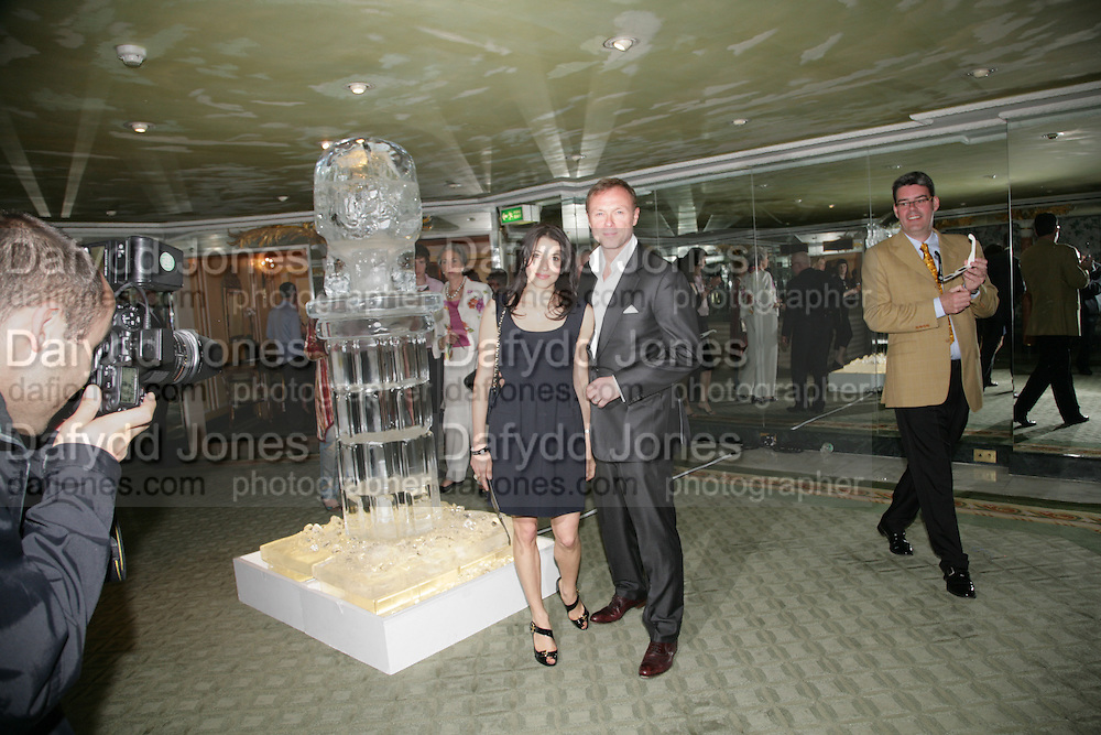 LAUREN AND GARY KEMP, Beyond Belief-Damien Hirst. White Cube Hoxton and Mason's Yard.Party  afterwards at the Dorchester. Park Lane. 2 June 2007.  -DO NOT ARCHIVE-© Copyright Photograph by Dafydd Jones. 248 Clapham Rd. London SW9 0PZ. Tel 0207 820 0771. www.dafjones.com.