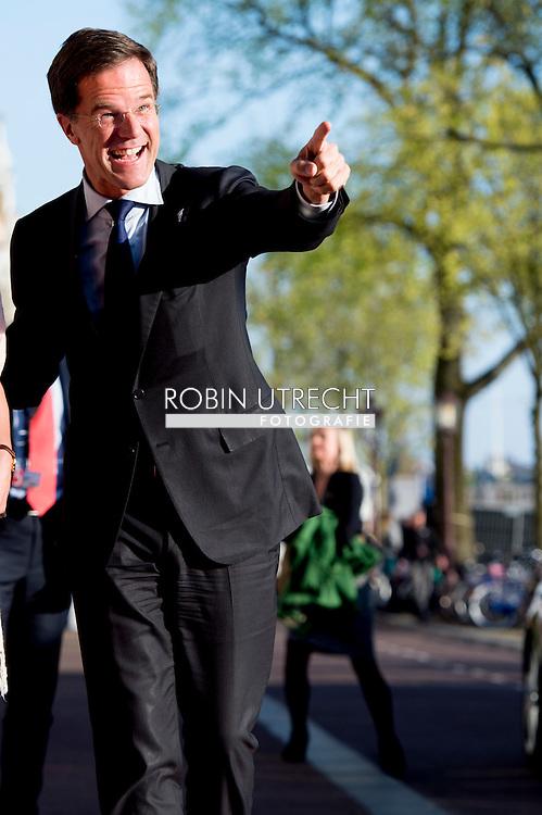 5-5-2016 AMSTERDAM - Queen Maxima and King Willem-Alexander and at the liberation concert at the Amstel in Amsterdam. (Afsluiting Nationale Viering van de Bevrijding) COPYRIGHT ROBIN UTRECHT<br /> 5-5-2016  AMSTERDAM - Koning Willem-Alexander , Koningin Maxima en minister-president Rutte zijn woensdagavond 4 mei aanwezig bij de Nationale Herdenking in Amsterdam. De Koning en Koningin en de minister-president wonen op 5 mei 's avonds in Amsterdam het concert bij ter gelegenheid van de afsluiting van de Nationale Viering van de Bevrijding. COPYRIGHT ROBIN UTRECHT