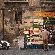 Neapolitan shop, Italy. Echoppe Napolitaine, Italie.