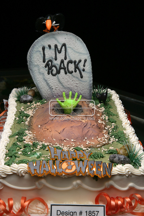 26th October 2007. Los Angeles, California. Americans love Halloween, and it shows. For those who celebrate it, this ghoulish occasion has become one of the year's most expensive holidays. One Los Angeles bakery is producing scary treats in the form of Halloween cakes. Selling for nearly US $500.00 each, the hand crafted sugar coated delights resemble some people's worst nightmare. Hansen's Cakes in Los Angeles are cashing in on the multi billion-dollar Halloween industry, which in 2006 saw American's spend $4.96 billion on Halloween costumes alone. PHOTO © JOHN CHAPPLE / REBEL IMAGES Tel: 310 570 9100.