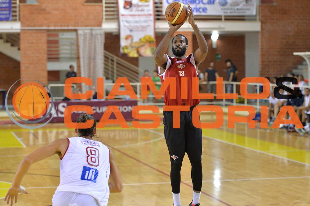 DESCRIZIONE : Viadana Trofeo del 50' esimo Lega A 2014-15 Pesaro vs Acea Virtus Roma<br /> GIOCATORE : Gibson Kyle<br /> CATEGORIA :Tiro<br /> SQUADRA : Acea Roma<br /> EVENTO :Torneo del 50'esimo<br /> GARA : Pesaro vs Acea Virtus Roma<br /> DATA : 13/09/2014 <br /> SPORT : Pallacanestro <br /> AUTORE : Agenzia Ciamillo-Castoria/I.Mancini<br /> Galleria : Lega Basket A 2014-2015 <br /> Fotonotizia : Torneo del 50'esimo Lega A 2014-15 Pesaro vs Acea Virtus Roma<br /> Predefinita :