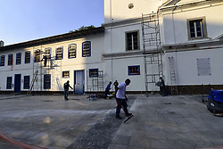 April 25, 2018 - SãO Paulo, São Paulo, Brazil - SAO PAULO SP, SP 04/25/2018 CLEANING PATEO COLLÉGIO: The cleaning and restoration works of the facade of Pateo do Collegio, in the Center of São Paulo (SP), follow this Wednesday (25). Volunteers started cleaning last week to eliminate the graffiti done in the early hours of the 10th. (Credit Image: © Cris Faga via ZUMA Wire)