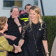 NLD/Enschede/20150318 - Prinses Beatrix en Prinses Mabel aanwezig bij uitreiking Prins Friso ingenieursprijs , Prinses Mabel