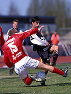 16.05.1999, Pori..Veikkausliiga, FC Jazz v FC Lahti.RODRIGO Martins Vaz (Lahti) v Ville Lehtinen (Jazz).©JUHA TAMMINEN
