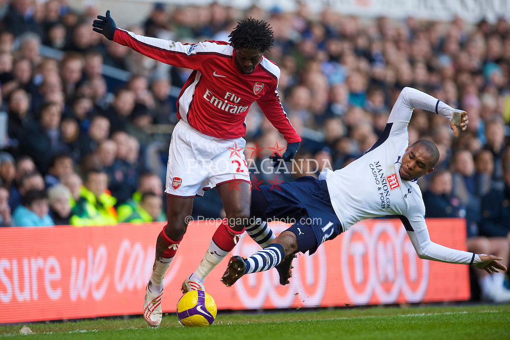 LONDON, ENGLAND - Sunday, February 8, 2009: Tottenham Hotspur's Wilson Palacios and Arsenal's Emmanuel Adebayor during the Premiership match at White Hart Lane. (Mandatory credit: David Rawcliffe/Propaganda)