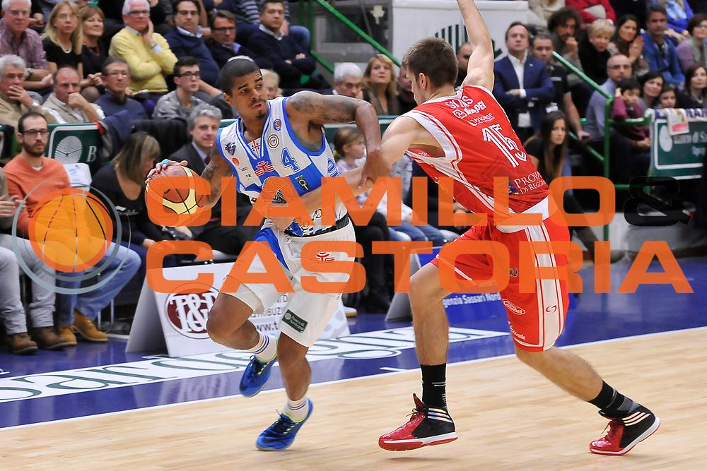 DESCRIZIONE : Campionato 2014/15 Dinamo Banco di Sardegna Sassari - Grissin Bon Reggio Emilia<br /> GIOCATORE : Edgar Sosa<br /> CATEGORIA : Palleggio Penetrazione Fallo<br /> SQUADRA : Dinamo Banco di Sardegna Sassari<br /> EVENTO : LegaBasket Serie A Beko 2014/2015<br /> GARA : Dinamo Banco di Sardegna Sassari - Grissin Bon Reggio Emilia<br /> DATA : 22/12/2014<br /> SPORT : Pallacanestro <br /> AUTORE : Agenzia Ciamillo-Castoria / Luigi Canu<br /> Galleria : LegaBasket Serie A Beko 2014/2015<br /> Fotonotizia : Campionato 2014/15 Dinamo Banco di Sardegna Sassari - Grissin Bon Reggio Emilia<br /> Predefinita :