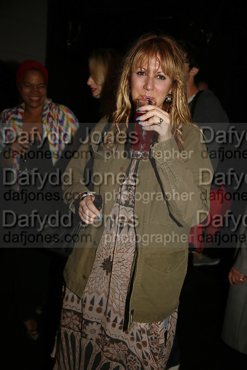 Mandi Lennard, Mac  hosts party for Zandra Rhodes to celebrate her return to the runway and the launch of her collection of M.A.C. cosmetics. Silver. Hanover Sq. 20 September 2006. ONE TIME USE ONLY - DO NOT ARCHIVE  © Copyright Photograph by Dafydd Jones 66 Stockwell Park Rd. London SW9 0DA Tel 020 7733 0108 www.dafjones.com
