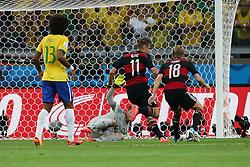 08.07.2014, Mineirao, Belo Horizonte, BRA, FIFA WM, Brasilien vs Deutschland, Halbfinale, im Bild Miroslav Klose (GER) schiesst das WM-Rekordtor. // during Semi Final match between Brasil and Germany of the FIFA Worldcup Brazil 2014 at the Mineirao in Belo Horizonte, Brazil on 2014/07/08. EXPA Pictures © 2014, PhotoCredit: EXPA/ Eibner-Pressefoto/ Cezaro<br /> <br /> *****ATTENTION - OUT of GER*****