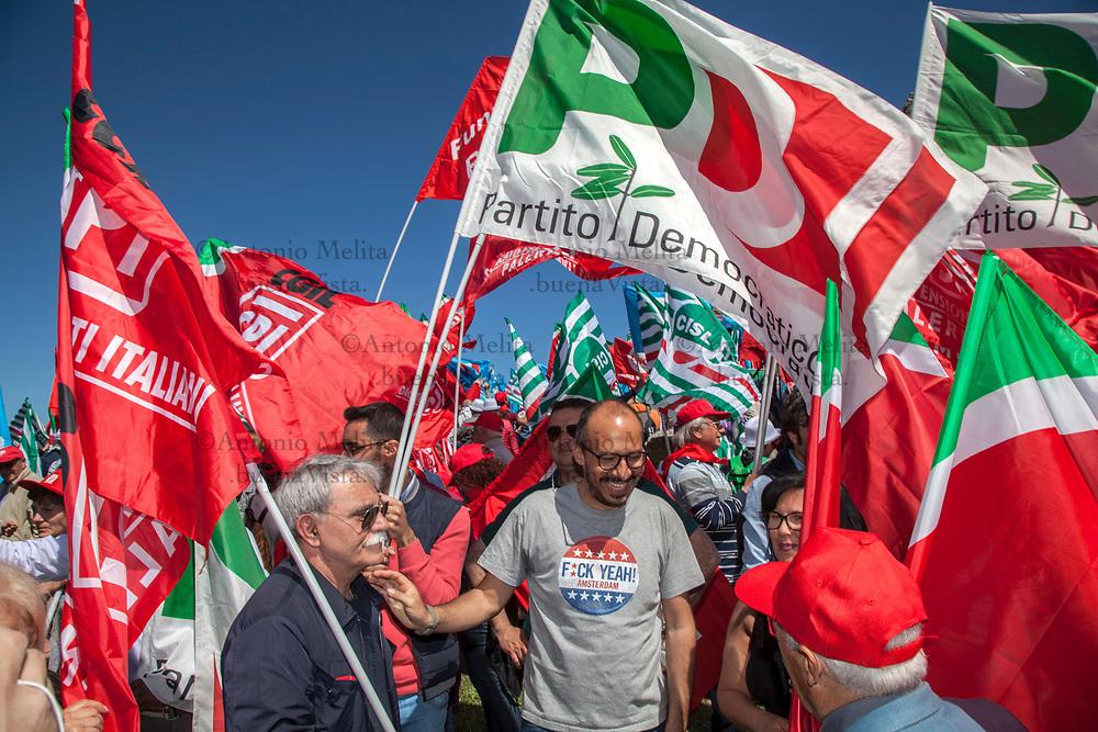 Davide Faraone, Sottosegretario alla Sanità, sulla spianata di Portella della Ginestra durante il 70° anniversario della strage.