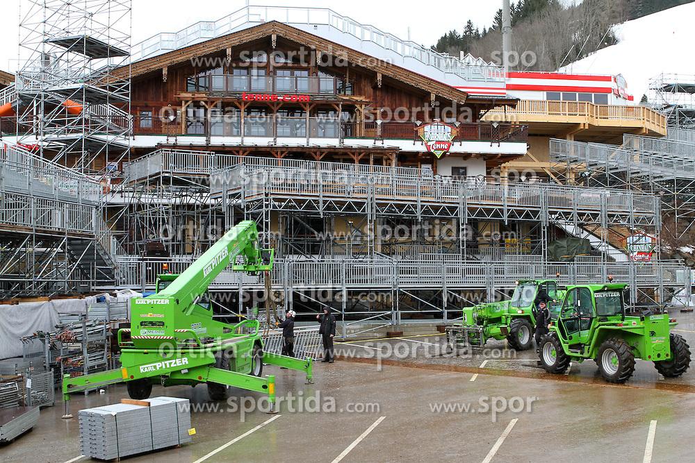 04.01.2013, Schladming, AUT, FIS Weltmeisterschaften Ski Alpin, Schladming 2013, Vorberichte, im Bild Arbeiten für die Errichtung der Zuschauertribüne neben der Hohenhaus Tenne am 04.01.2013 // installation of the grandstand (tribune) near the Hohenhaus Tenne on 2013/01/04, preview to the FIS Alpine World Ski Championships 2013 at Schladming, Austria on 2013/01/04. EXPA Pictures © 2012, PhotoCredit: EXPA/ Martin Huber