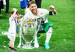 28-05-2016 ITA, UEFA CL Final, Atletico Madrid - Real Madrid, Milaan<br /> Sergio Ramos of Real Madrid and his son celebrate <br /> <br /> ***NETHERLANDS ONLY***