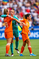 07-07-2019 FRA: Final USA - Netherlands, Lyon<br /> FIFA Women's World Cup France final match between United States of America and Netherlands at Parc Olympique Lyonnais. USA won 2-0 / Jill Roord #19 of the Netherlands, Sari van Veenendaal #1 of the Netherlands, Daniëlle van de Donk #10 of the Netherlands