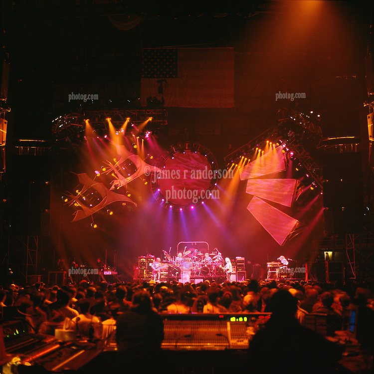 Throwing Stones. The Grateful Dead live in concert at the Nassau Coliseum, Uniondale NY, 4 April 1993.