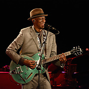 Keb' Mo' and his band perform at The Music Hall in Portsmouth NH, May 2016