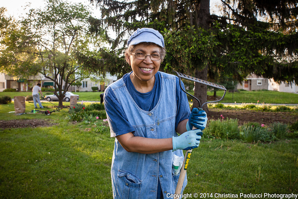 Mary Daniels leads the gardening club for the Eastgate Garden Civic Association in Columbus, Ohio. (Christina Paolucci, photographer).