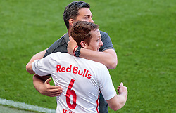 28.05.2017, Red Bull Arena, Salzburg, AUT, 1. FBL, FC Red Bull Salzburg vs Cashpoint SCR Altach, 36. Runde, im Bild Trainer Oscar Garcia (FC Red Bull Salzburg), Christian Schwegler (FC Red Bull Salzburg) // during Austrian Football Bundesliga 36th round Match between FC Red Bull Salzburg and Cashpoint SCR Altach at the Red Bull Arena, Salzburg, Austria on 2017/05/28. EXPA Pictures © 2017, PhotoCredit: EXPA/ JFK
