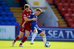 LONDON, ENGLAND - Saturday, September 29, 2018: Liverpool's captain Matty Virtue (left) and Chelsea's George McEachran during the Under-23 FA Premier League 2 Division 1 match between Chelsea FC and Liverpool FC at The Recreation Ground. (Pic by David Rawcliffe/Propaganda)