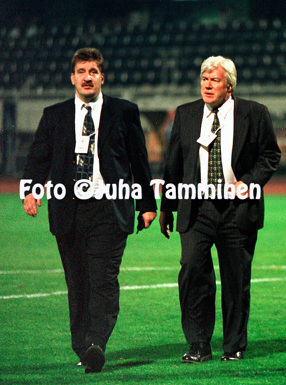 13.10.1998, In&ouml;n&uuml; Stadium, Istanbul, Turkey. <br /> Pertti Alaja &amp; Pekka H&auml;m&auml;l&auml;inen.<br /> &copy;JUHA TAMMINEN
