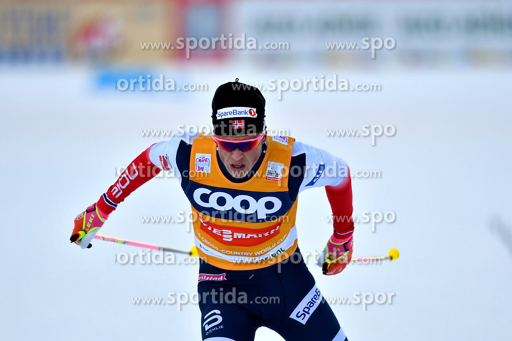 16.12.2017, Nordic Arena, Toblach, ITA, FIS Weltcup Langlauf, Toblach, Herren, 15 km, im Bild Johannes Kl&auml;bo (NOR) // Johannes Kl&auml;bo of Norway during men's 15 km of the FIS Cross Country World Cup at the Nordic Arena in Toblach, Italy on 2017/12/16. EXPA Pictures &copy; 2017, PhotoCredit: EXPA/ Nisse Schmidt<br /> <br /> *****ATTENTION - OUT of SWE*****