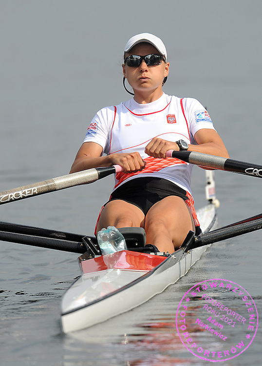 AGATA GRAMATYKA (POLAND) COMPETES IN THE SEMIFINAL WOMEN'S SINGLE SCULLS DURING DAY FIVE OF REGATTA WORLD ROWING CHAMPIONSHIPS ON MALTA LAKE IN POZNAN, POLAND...POZNAN , POLAND , AUGUST 27, 2009..( PHOTO BY ADAM NURKIEWICZ / MEDIASPORT )..PICTURE ALSO AVAIBLE IN RAW OR TIFF FORMAT ON SPECIAL REQUEST.