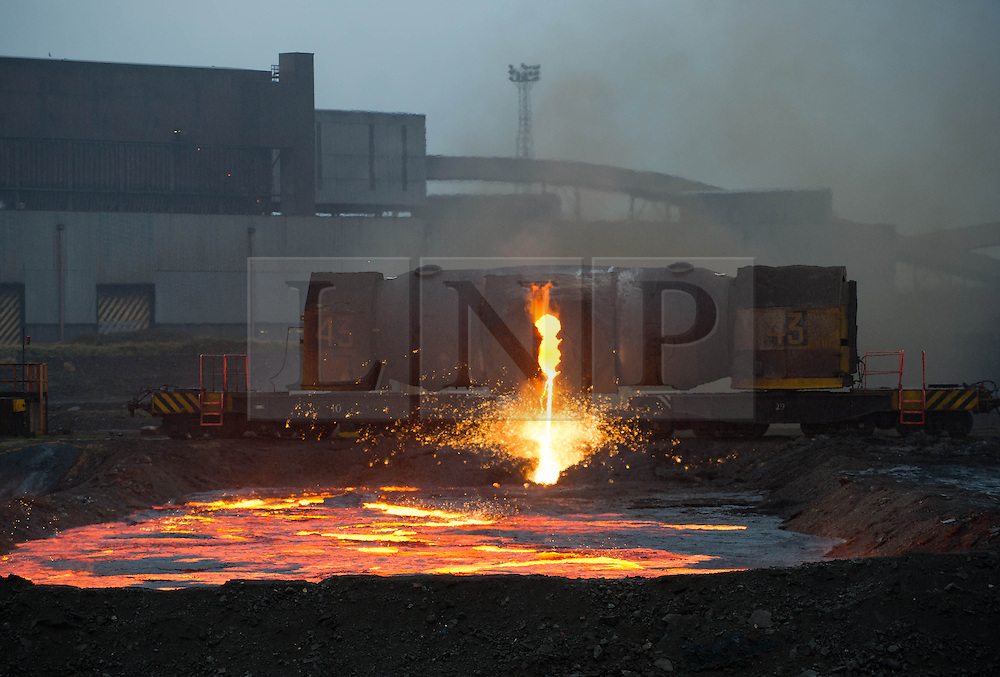 &copy; Licensed to London News Pictures. 28/03/2014<br /> <br /> South Gare, Teesside, United Kingdom<br /> <br /> Torpedo number 43 ponds steel at the Sahaviriya Steel Industries manufacturing site on Teesside.<br /> <br /> Photo credit : Ian Forsyth/LNP