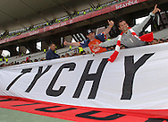 n/z.: Kibice z Polski z flaga Tychy przed meczem finalowym Ligi Mistrzow FC Liverpool (czerwone) - AC Milan (biale) 3:3 karne 3:2 , liga mistrzow , final sezon 2004/2005 , pilka nozna , Turcja , Stambul , 25-05-2005 , fot.: Adam Nurkiewicz / mediasport..Polish supporters with transparent Tychy before the final Champions League soccer match in Istambul. May 25, 2005 ; FC Liverpool (red) - AC Milan (white) 3:3 penalty 3:2 ; Champions League , final season 2004/2005 , football , Turkey , Istambul ( Photo by Adam Nurkiewicz / mediasport )