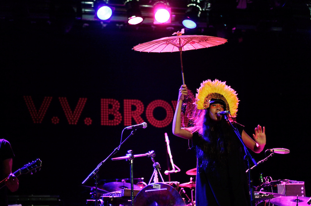 NEW YORK - MARCH 25:  Singer VV Brown performs in concert at the Music Hall of Williamsburg on March 25, 2010 in New York City.  (Photo by Joe Kohen/WireImage for New York Post)