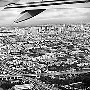 Panoramica del centro di  Milano vista dal finestrino di un aereo decollato dall'aeroporto di Linate , Agosto 2015