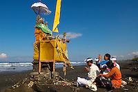 Indonesie. Bali. Odolan (fete annuelle du temple qui a lieu tout les 210 jours) au temple de Pura Rambut Siwi. // Indonesia. Bali. Odolan (festival of the temple every 210 days) at the temple of Pura Rambut Siwi.