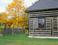 BB08215-00...WISCONSIN - Fur Trader's Cabin and fenced garden at Heritage Hill State Historical Park near Green Bay.