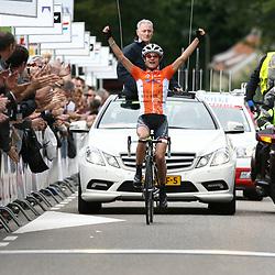 Marianne Vos wint drie keer op rij de Profile Ladies TOur 2011. Ze won 3 etappes