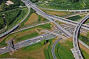 Nederland, Zuid-Holland, Barendrecht, 23-05-2011; Knooppunt Vaanplein, verkeersknooppunt A 27 / A16. Oorspronkelijk ontworpen in de vorm van een 'windmolenknoopunt', inmiddels gerenoveerd maar na de renovatie zijn de niet langer gebruikte fly-overs van de oude afritten niet gesloopt..Vaanplein intersection, junction A27 / A16. Originally designed in the shape of a windmill..luchtfoto (toeslag), aerial photo (additional fee required).copyright foto/photo Siebe Swart