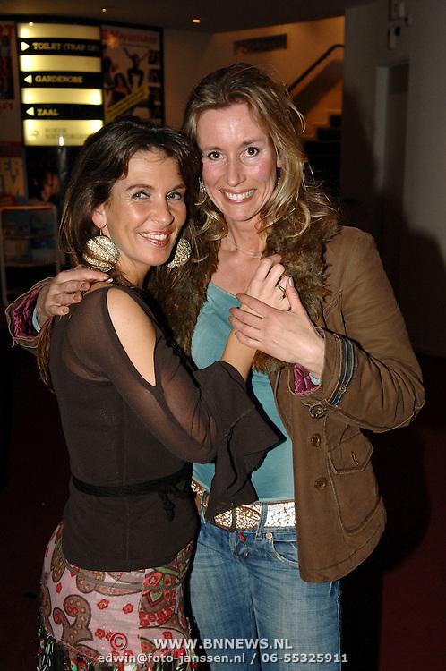 NLD/Rotterdam/20060331 - Premiere Mayumana, Susan Blokhuis en vriendin Ingrid Noordermeer