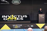 Prins Harry is in het Zuiderpark in Den Haag, waar hij met prinses Margriet demonstraties bijwoont van handboogschieten en basketbal. Dat zijn twee van de negen sportdisciplines die precies over een jaar op het programma staan tijdens de Invictus Games.<br /> <br /> Prince Harry is in the Zuiderpark in The Hague, where he attends demonstrations of archery and basketball with Princess Margriet. These are two of the nine sports disciplines that are scheduled for exactly one year during the Invictus Games.