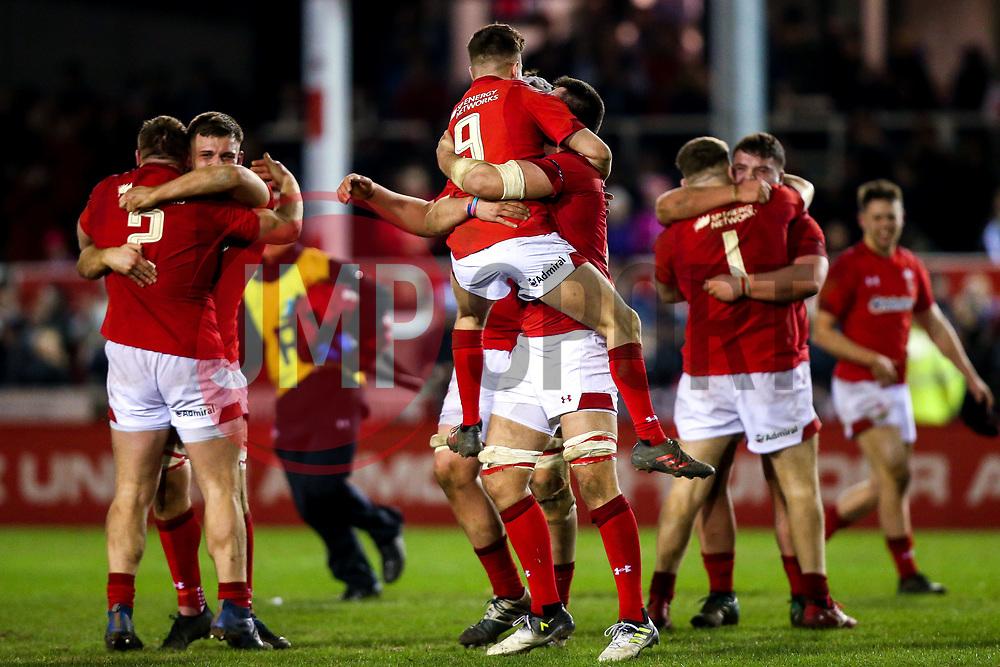 Wales U20 celebrate victory over England U20 - Mandatory by-line: Robbie Stephenson/JMP - 22/02/2019 - RUGBY - Zip World Stadium - Colwyn Bay, Wales - Wales U20 v England U20 - Under-20 Six Nations