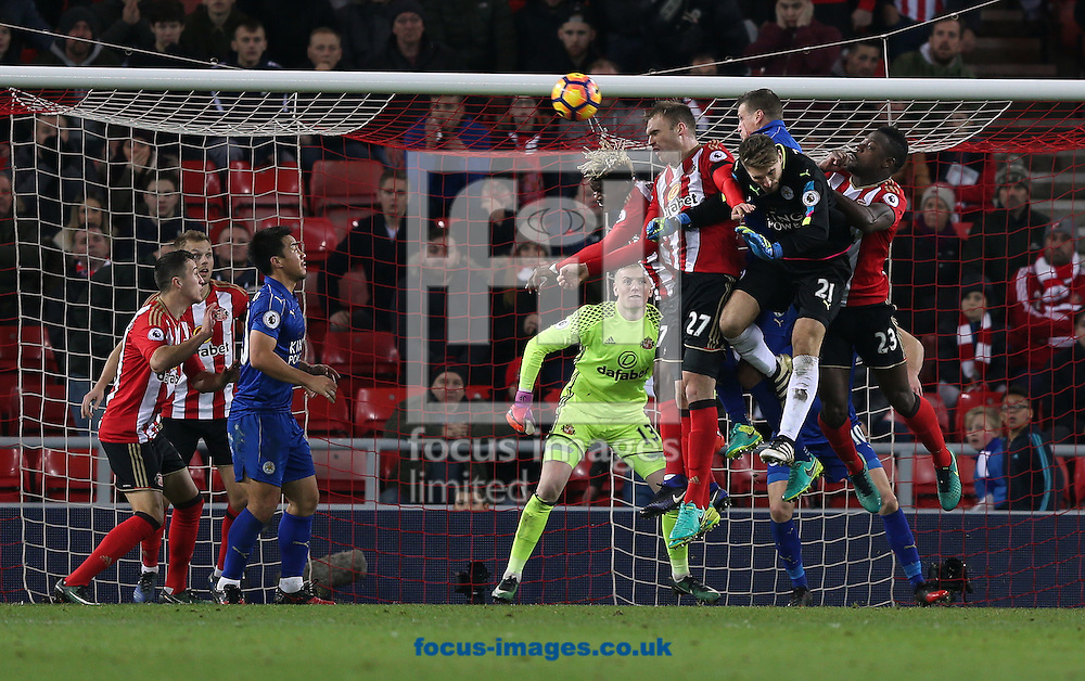 Leicester push for a second goal with goalkeeper Ron-Robert Zieler going up for a corner during the Premier League match at the Stadium Of Light, Sunderland<br /> Picture by Christopher Booth/Focus Images Ltd 07711958291<br /> 03/12/2016