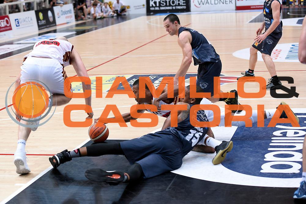 Tyrus McGee, Joao Gomes<br /> Dolomiti Energia Aquila Basket Trento - Umana Reyer Venezia<br /> Lega Basket Serie A 2016/2017<br /> Playoff, finale gara 4<br /> Trento, 16/06/2017<br /> Foto M.Ceretti / Ciamillo-Castoria