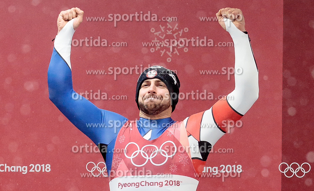 11.02.2018, Olympic Sliding Centre, Pyeongchang, KOR, PyeongChang 2018, Rodeln, Herren, flowers ceremony, im Bild Chris Mazdzer (USA, 2. Platz) // silver medalist Chris Mazdzer of the USA during the flowers ceremony of the Men's Luge Singles competition at the Olympic Sliding Centre in Pyeongchang, South Korea on 2018/02/11. EXPA Pictures © 2018, PhotoCredit: EXPA/ Johann Groder