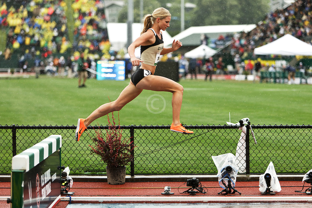 women's 3000 meter steeplchase Emma Coburn wins qualifying heat
