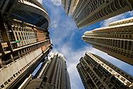 Construccion de edificios modernos en Punta Pacifica en la ciudad de Panama, edificada frente a la golfo de Panamá, actualmente cuenta con una construcción de edificios modernos, corredores viales y varios centros comerciales.